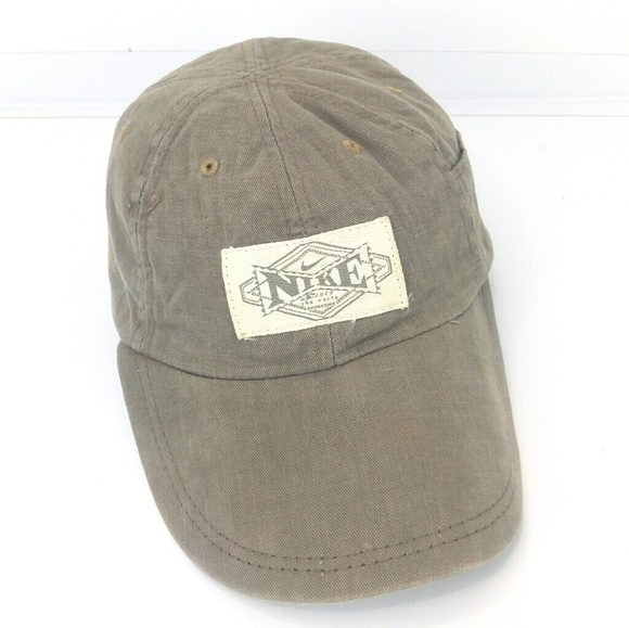 e39b99d2105 Nike Adjustable Hat Tan Light Brown OSFA. M 5c08f065de6f62db35fc5d2f